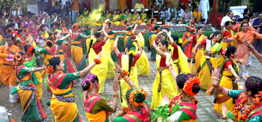 Best places to celebrate Holi in India, purulia